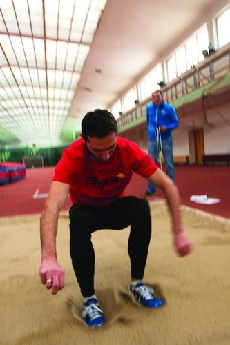 Michał Kaczmarek i Jakub Wolski - profesjonalny biegacz kontra amator. Fot. Krzysztof Dołęgowski