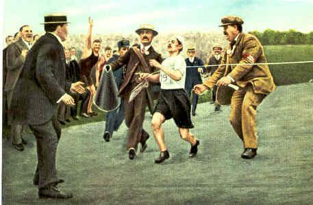 Dorando Pietri wpada na metę olimpijskiego maratonu w Londynie w 1908 roku