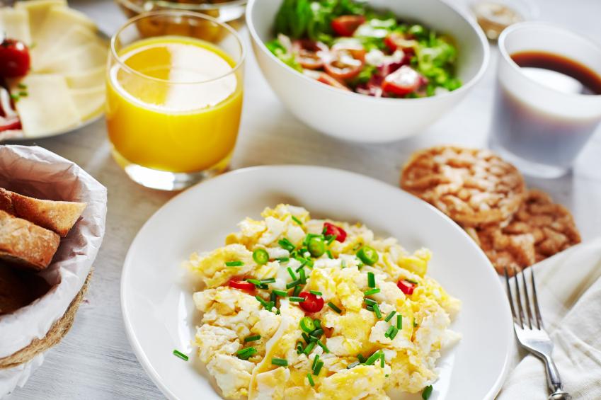 Jajecznica na śniadanie dla biegacza. Fot. Istockphoto.com