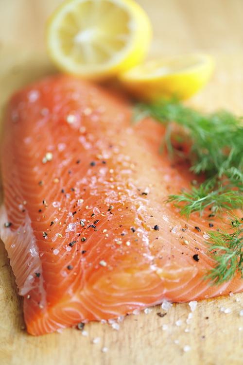 Łosoś - białko, zdrowe tłuszcze i cenne minerały