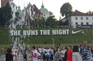 She Runs The Night - Hollywood