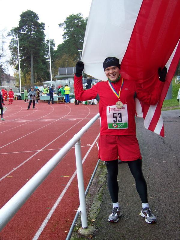 Grzegorz Więcław na maratonie na Wyspach Alandzkich. Fot. Archiwum Grzegorza Więcława