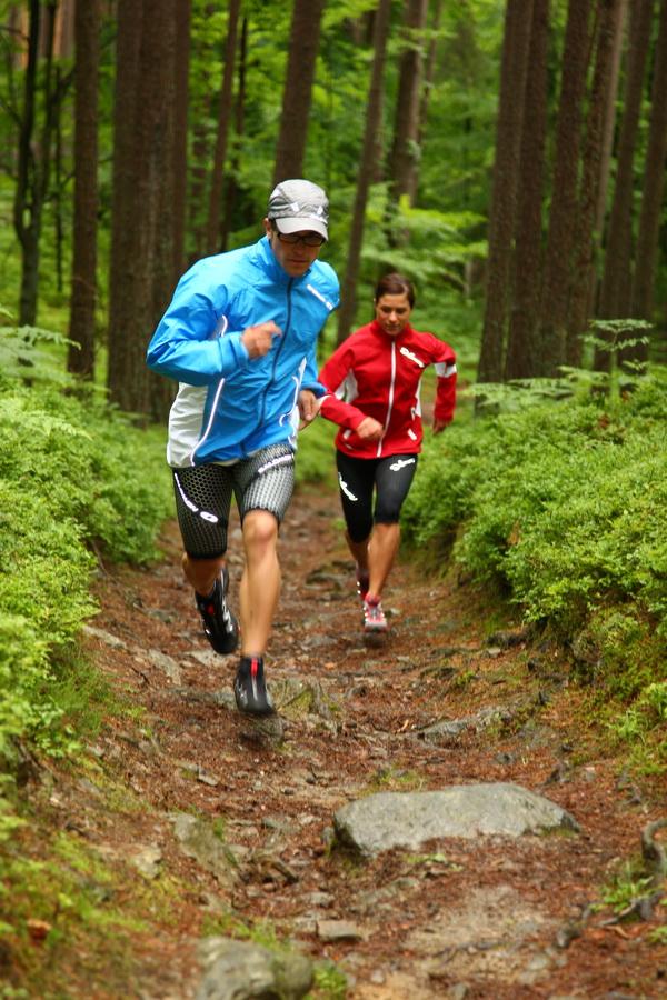 Hill sprints - sprinty pod górę. Fot. Salomon