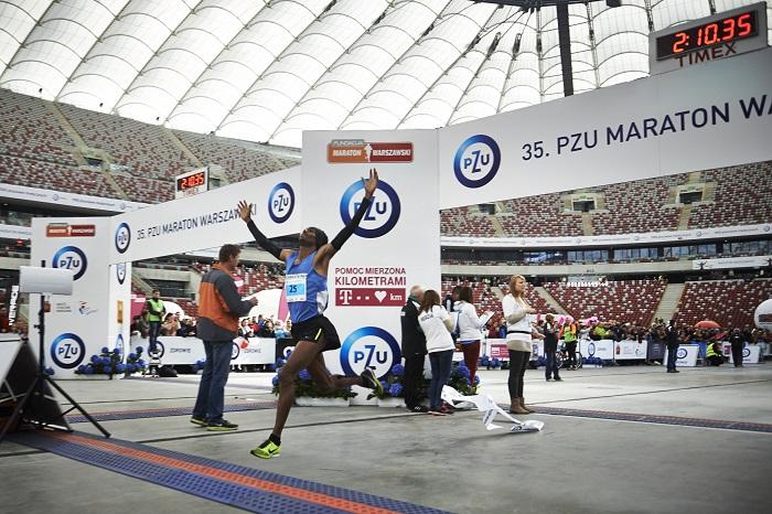 Yared Shegumo na mecie 25 Maratonu Warszawskiego