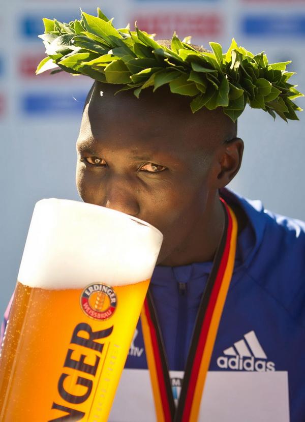 Wilson Kipsang - rekordzista świata w maratonie na 40. Berlin Marathon. Fot. PAP