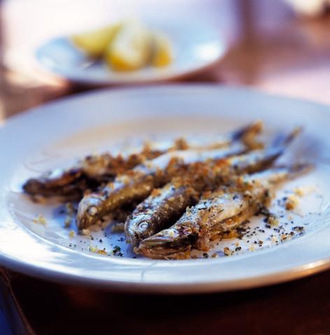 Ryby - bogactwo wielonienasyconych kwasów tłuszczowych omega-3 i wielu minerałów. Fot. Envision/Corbis