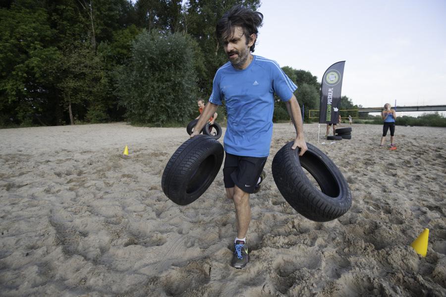 Boot Camp - bieganie z 2 oponami Fot Piotr Dymus