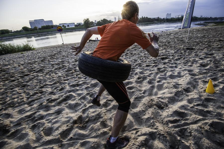 Boot Camp - bieganie z oponą Fot Piotr Dymus