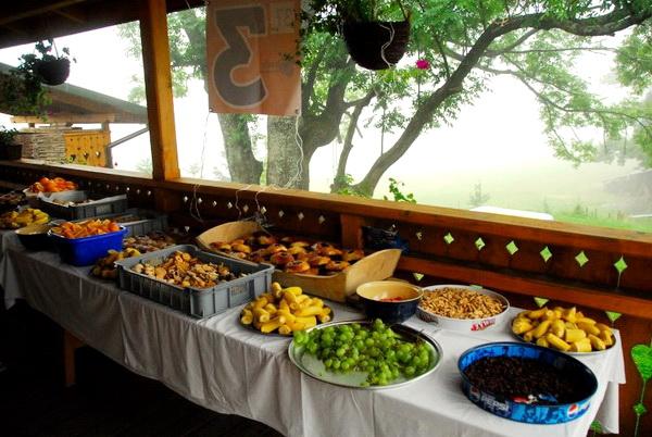 Punkt żywieniowy na Chudym Wawrzyńcu - jest w czym wybierać bez glutenu. Fot. Marcin Franke