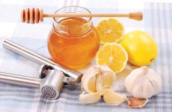 Miód z cytryną i czosnkiem. Fot. Istockphoto.com