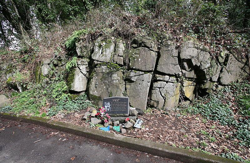 Miejsce upamiętniające wypadek Steve'a Prefontaine. Fot. Cacophony/ Wikimedia Commons