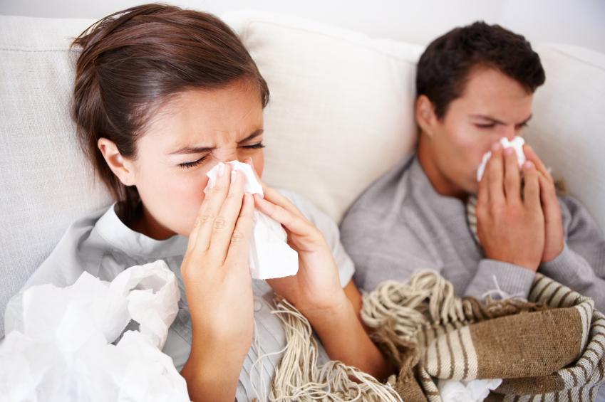 Jesień i zima to czas gdy łatwo złapać przeziębienie, zwłaszcza przy osłabieniu po treningu. Fot. istockphoto.com
