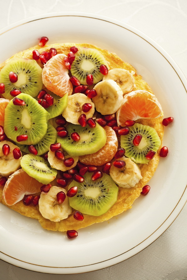 Omlet z owocami Fot istockphotocom_resize