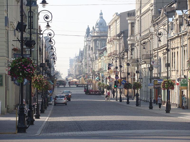 Ulica Piotrkowska w Łodzi. Fot. Wikimedia Commons/ MAx92