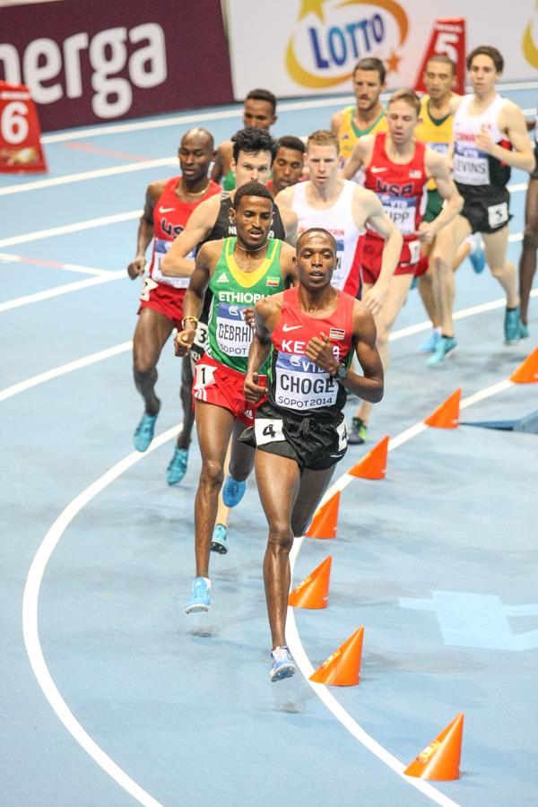 Kenijczyk Augustine Choge prowadził, ale ostatecznie zajął dopiero 9 miejsce
