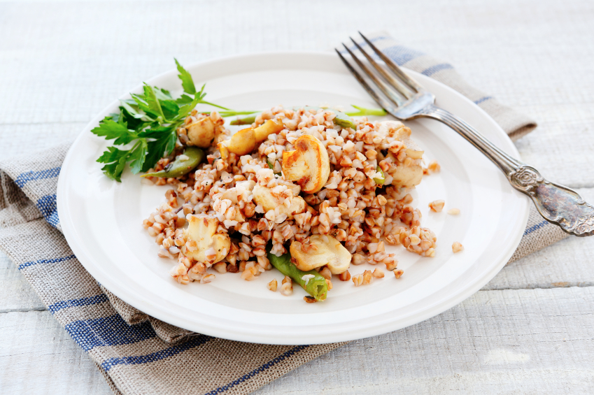 Kasza gryczana z grzybami. Fot. istockphoto.com