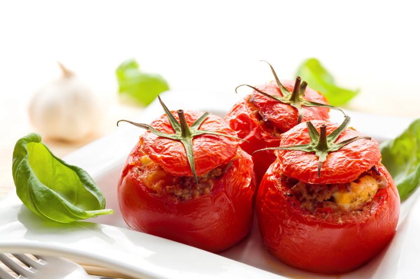 Pomidory nadziewane. Fot. istockphoto.com