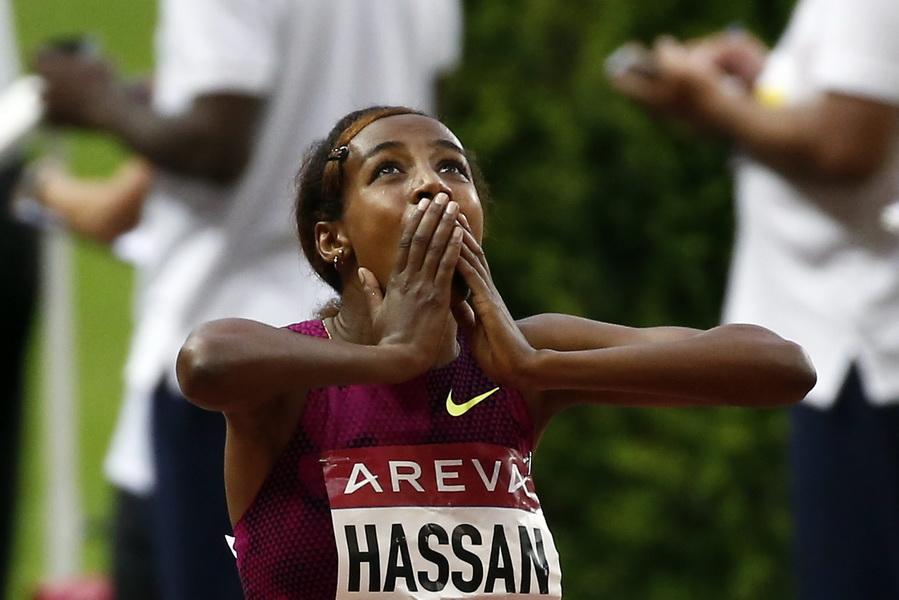 Sifan Hassan cieszy się ze zwycięstwa w biegu na 1500 metrów kobiet podczas mityngu Diamentowej Ligi w Paryżu. Fot. PAP