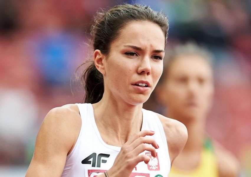 Joanna Jóźwik w akcji podczas biegu eliminacyjnego na 800 m w ME w lekkoatletyce w Zurychu. 13 sierpnia 2014. Fot. PAP