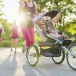 Bieganie z wózkiem, bieganie z dzieckiem, jogger fot. istockphoto