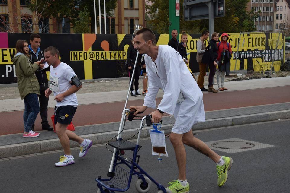 Łukasz Sobala biegacz przebieraniec Fot archiwum Łukasza Sobali
