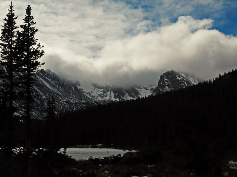 Góry w chmurach. Fot. Krzysztof Dołęgowski