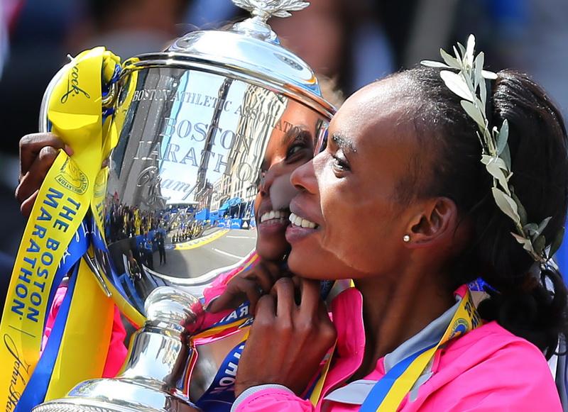 Rita Jeptoo zwycięża w Boston Marathon. Fot. Getty Images