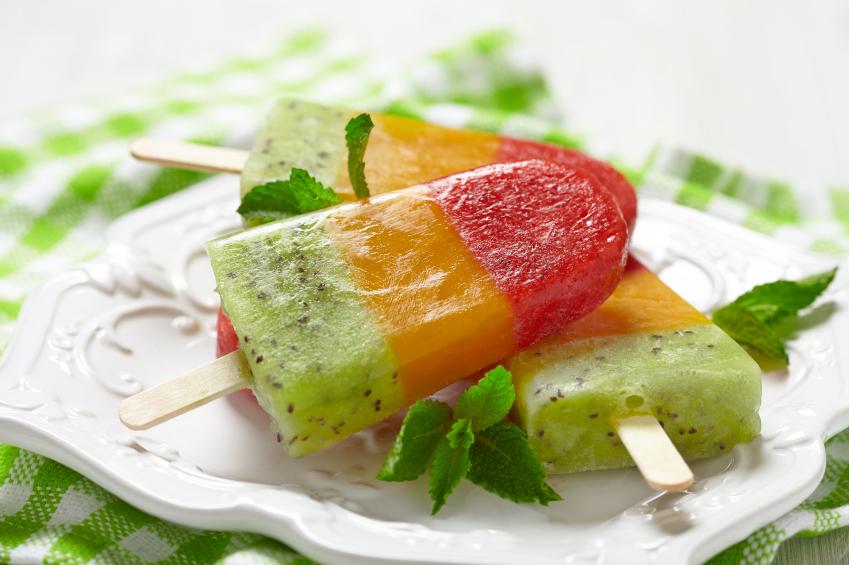 Domowe lody z owoców. Jak zrobić niskokaloryczne słodycze? Fot. Istockphoto.com