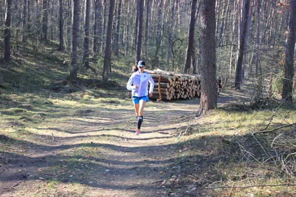 Kasia Kowalska w lesie