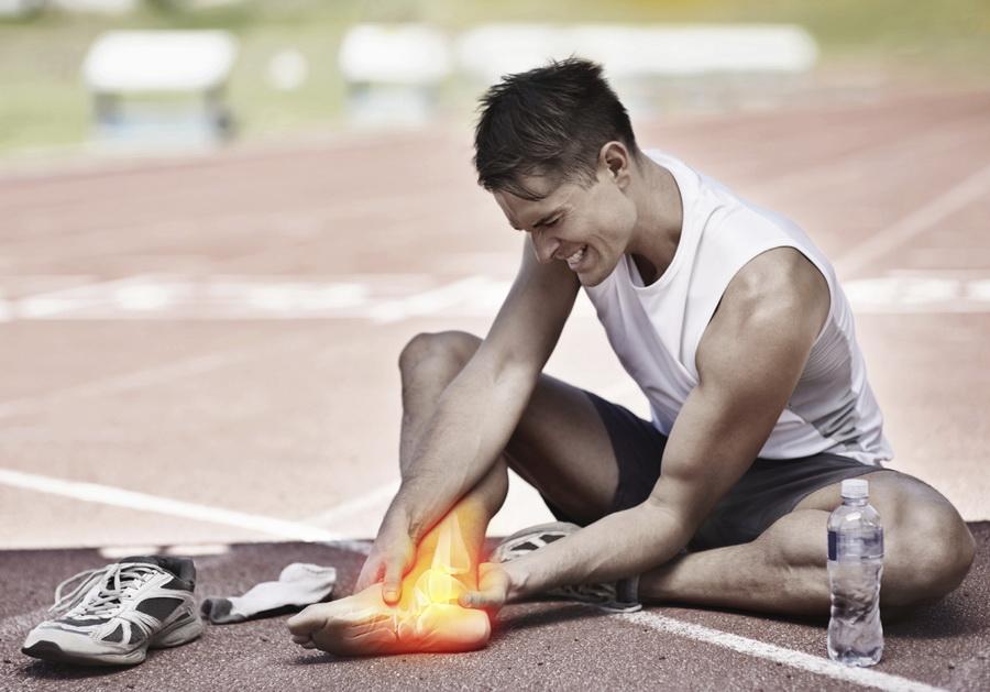 Jak postępować z urazami podczas biegania? Fot. Istockphoto.com