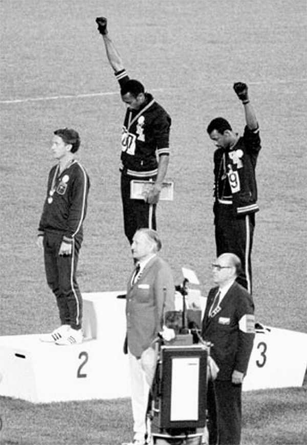 Fot. Getty Images The Black Power salute was a human rights protest and one of the most overtly political statements in the 110 year history of the modern Olympic Games. African American athletes Tommie Smith and John Carlos performed their Black Power salute at the 1968 S