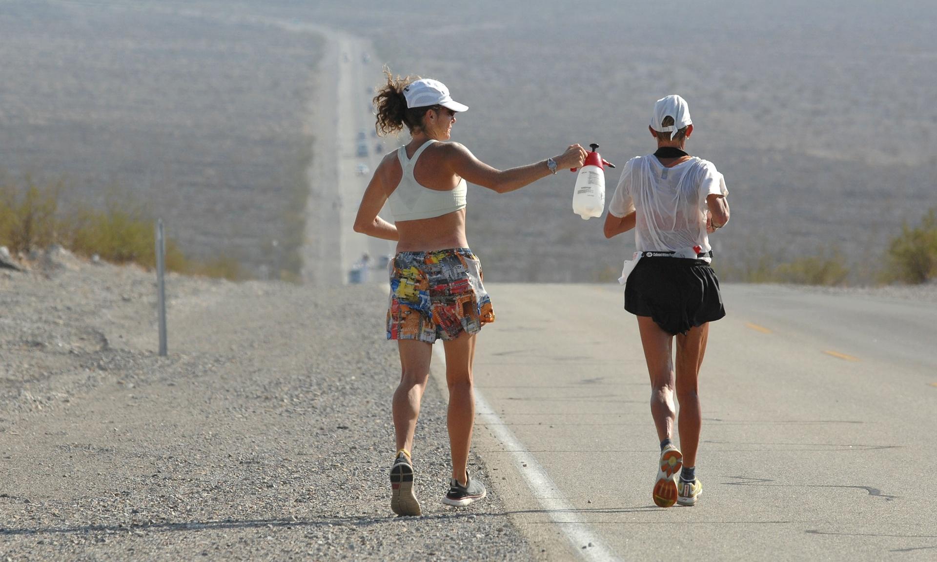 Pam Reed running the infamous Badwater ultramarathon Fot Stewart Cook Rex Features