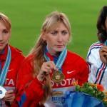 ierwsze cztery zawodniczki z biegu na 1500 metrów, czyli Tatiana Tomaszowa, Olga Jegorowa i Jelena Sobolewa z Rosji, a także Bouchra Ghezielle z Francji, zostały w kolejnych latach złapane na dopingu. Wyników z 2005 roku nigdy jednak nie unieważniono. Fot. PAP