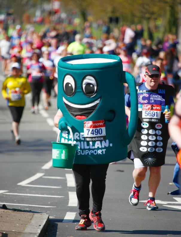 Bieganie charytatywne w Wielkiej Brytanii. Maraton londyński jest największą imprezą charytatywną na świecie. Fot. Istockphoto.com