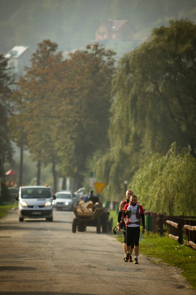 Na drodze z wozem Fot Łukasz Buszka