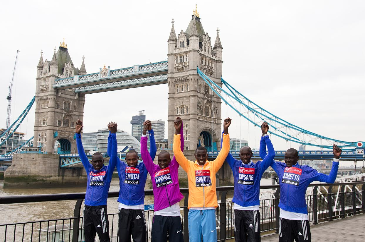 LONDON, ENGLAND - APRIL 23: Emmanuel Mutai, Geoffrey Mutai, Eliud Kipchoge, Stanley Biwott, Wlison Kipsang and Dennis Kimetto attend the photocall for the Elite Men ahead of Sunday's London Marathon on April 23, 2015 in London, England. (Photo by Ben A. Pruchnie/Getty Images)