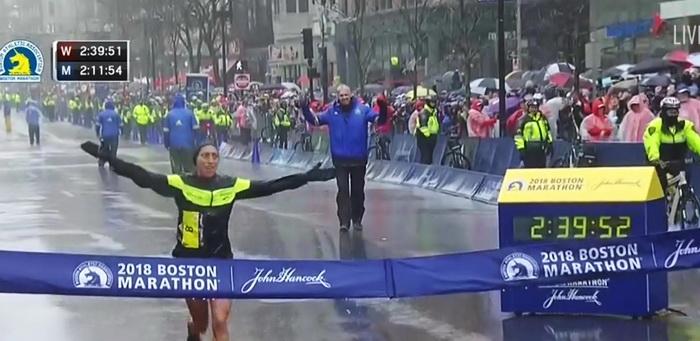 Desiree Linden wygrywa w Bostonie