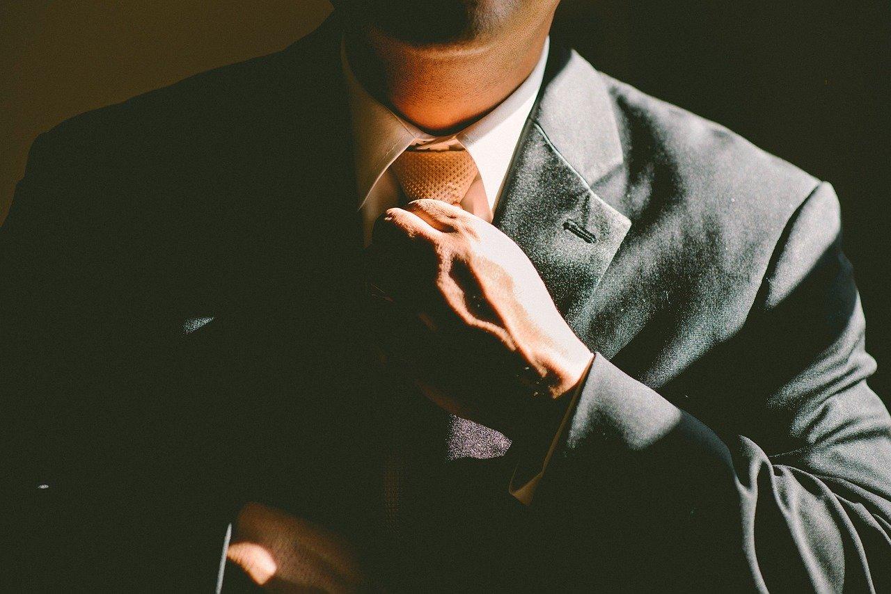 krawat, korporacja