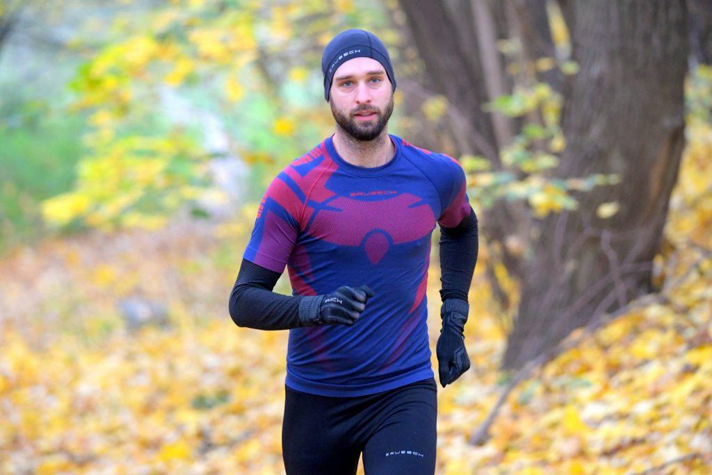 bieganie w koszulce termoaktywnej